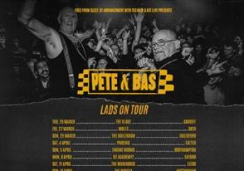 Pete and Bas Lads on Tour en The Globe