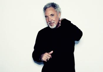 Tom Jones - Optional Upgrades en Hull