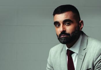 Tez Ilyas - Populist en Tyne And Wear