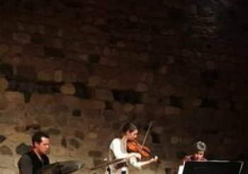 From the livingroom - concert de Crossover Trio. En Reus