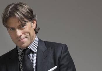John Bishop: Warm Up en Grimsby