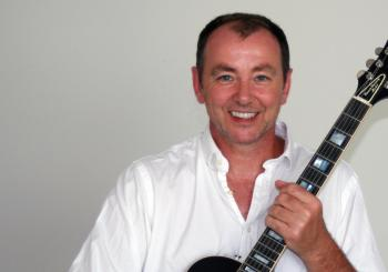 Feels Like Summertime - Francis Dunnery's It Bites Convention en Shropshire