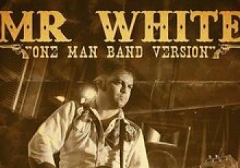 Mr. White - One man Band version * 5€ Live at Barbara Ann Bcn. En Barcelona